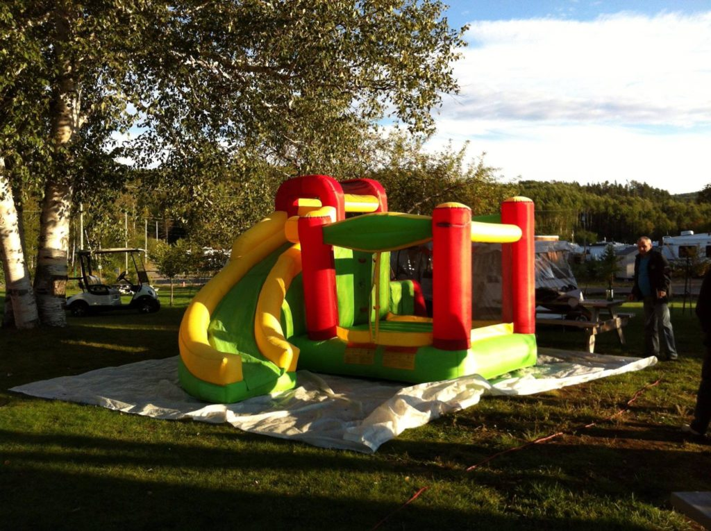 Camping Dubuc - jeu gonflable